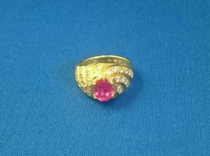 ルビーとダイヤのリング