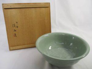 青磁彫刻菓子鉢加藤渓山